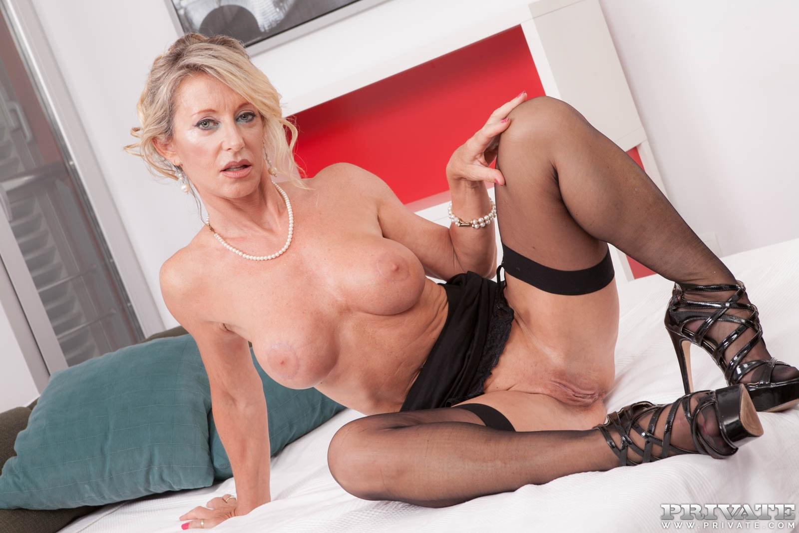 Сорокалетние порно актрисы, Порнозвёзды - видео и фото с самых красивых порно 4 фотография