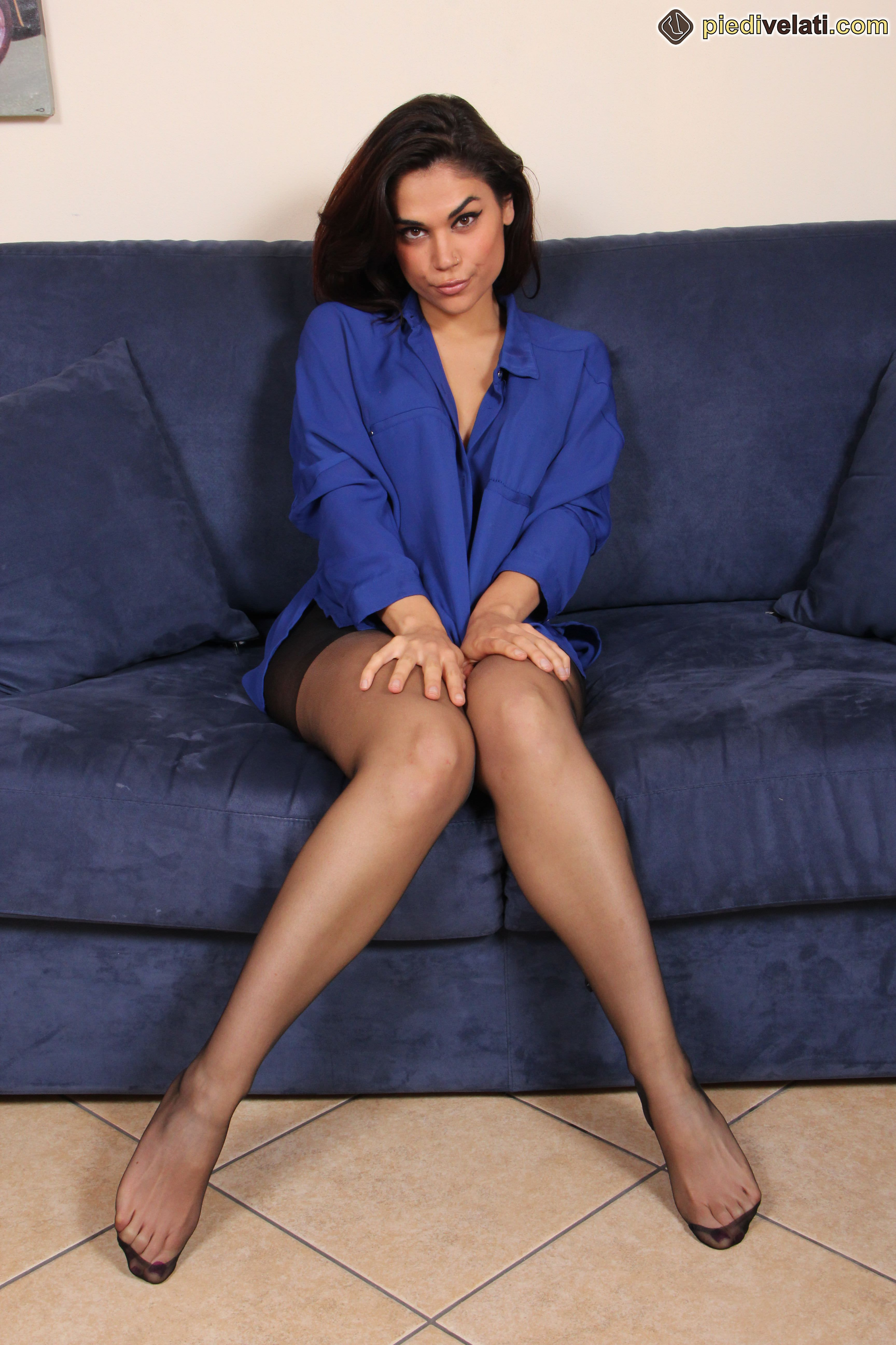 coed stocking video thumbs Brunette
